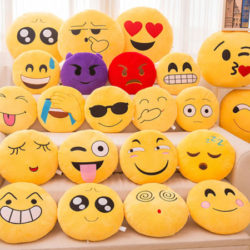 Almohadas Emoji de 25cm de diámetro, 16 modelos por sólo 3,91€!!