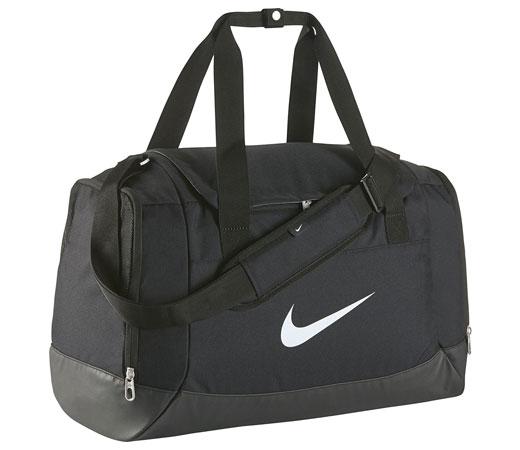 La bolsa deportiva Club Team Swoosh de Nike es un complemento perfecto para  transportar todo tu equipamiento deportivo 4776eacdac580