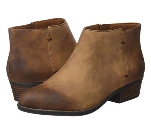a9a35f4a Con un corte de caña baja que llega aproximadamente hasta el tobillo, estos  botines de Clarks están fabricados en cuero de la más alta calidad, ...