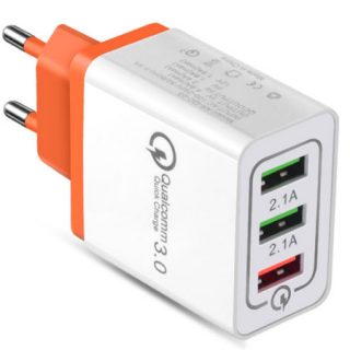 Cargador universal con tres puertos USB compatible con la carga rápida Quick Charge 3.0 por 1,98€.