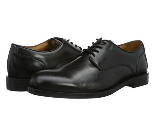 68bbf612606 El modelo Coling Walk es un zapato con cordón para hombre fabricado en  cuero negro de primera calidad
