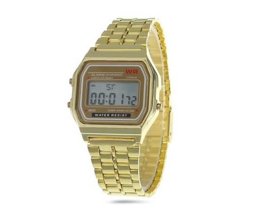 1b33299db67 A todos aquellos que pasaron su infancia en los años 80 y vibraron con  Michael J. Fox y Regreso al Futuro les traerá muy buenos recuerdos este reloj  vintage ...