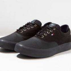 Zapatillas Tommy Hilfiger Oxford Sneakers, para hombre por 34,85€, antes 74,95€.