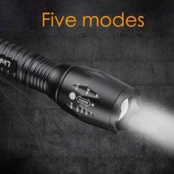 2 mini linternas tácticas, 800 lumens, 5 modos de luz, impermeables por 10,19€.