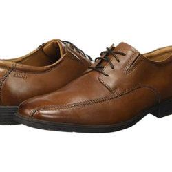 Zapatos con cordones para hombre Clarks Tilden Walk por 39 euros, antes 74,95€.