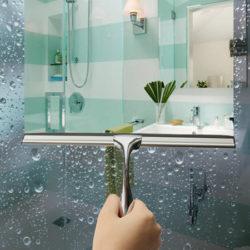 Espátula de acero inoxidable para la limpieza de cristales de baño por 8,44€.