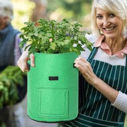 2 bolsas para cultivar patatas, zanahorias, tomates, cebollas y todo tipo de plantas (43L unidad) por 9,09€.