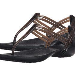Sandalias Crocs Isabella T Strap en color negro por sólo 19,95€.