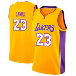 Réplica de la camiseta número 23 de los Lakers por sólo 11,67€.