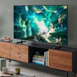 "¡Últimas existencias! Televisor Samsung 4K UHD 163cm 65"" HDR Smart TV Serie RU8005 por 599 euros. 50% de descuento."