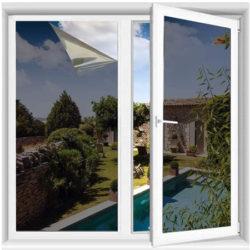 Vinilo para ventana con efecto espejo, protector solar, aislamiento térmico y anti-deslumbramiento (60x200cm) por 14,69€.