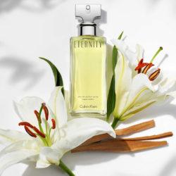 Eau de Parfum Eternity de Calvin Klein para mujer (50ml) por sólo 10,36€.