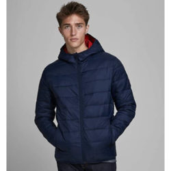 Chaqueta Jack & Jones Magic Puffer Hood por 28,99€ antes 49,99€.