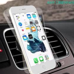Soporte de coche para móvil por 5,99€.