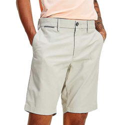 Pantalón corto estilo chino Tommy Hilfiger Brooklyn Short Light desde sólo 26,95€ y Pepe Jeans Blackburn en azul por 27,50€