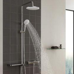 Columna de ducha con estante por 39,49€ antes 78,99€.