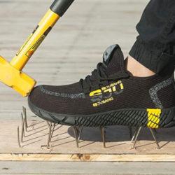 Zapatillas de trabajo, ligeras, transpirables e impermeables, punta de acero y gruesa suela de caucho por 23,99€ antes 39,99€.